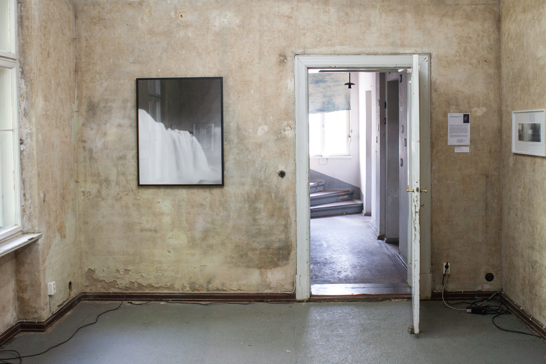 Durchgang mit Arbeiten des mexikanischen Künstlers Rodrigo Alcocer de Garay
